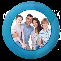 Famille heureuse chez le dentiste